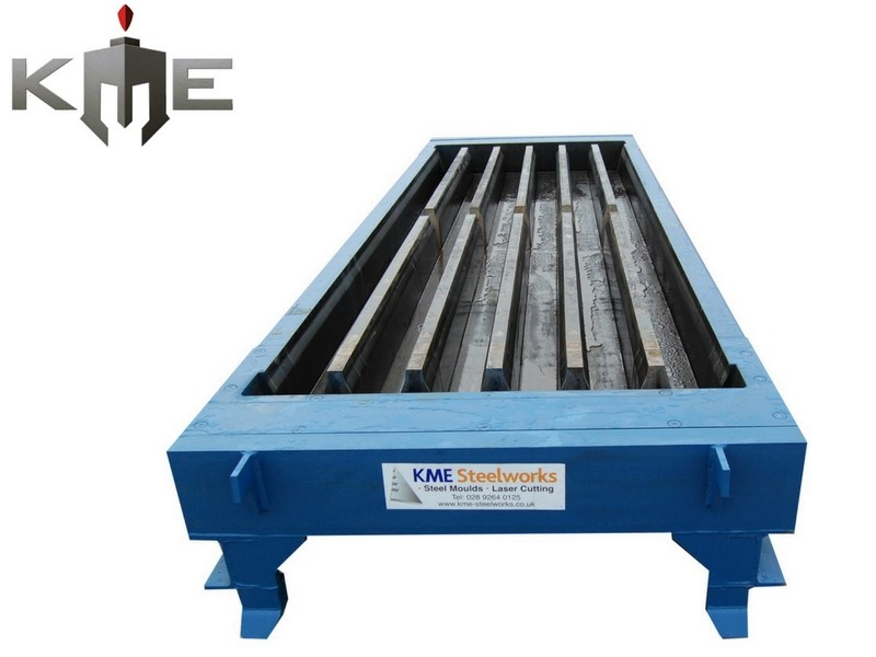 Gang Steel molds for precast concrete